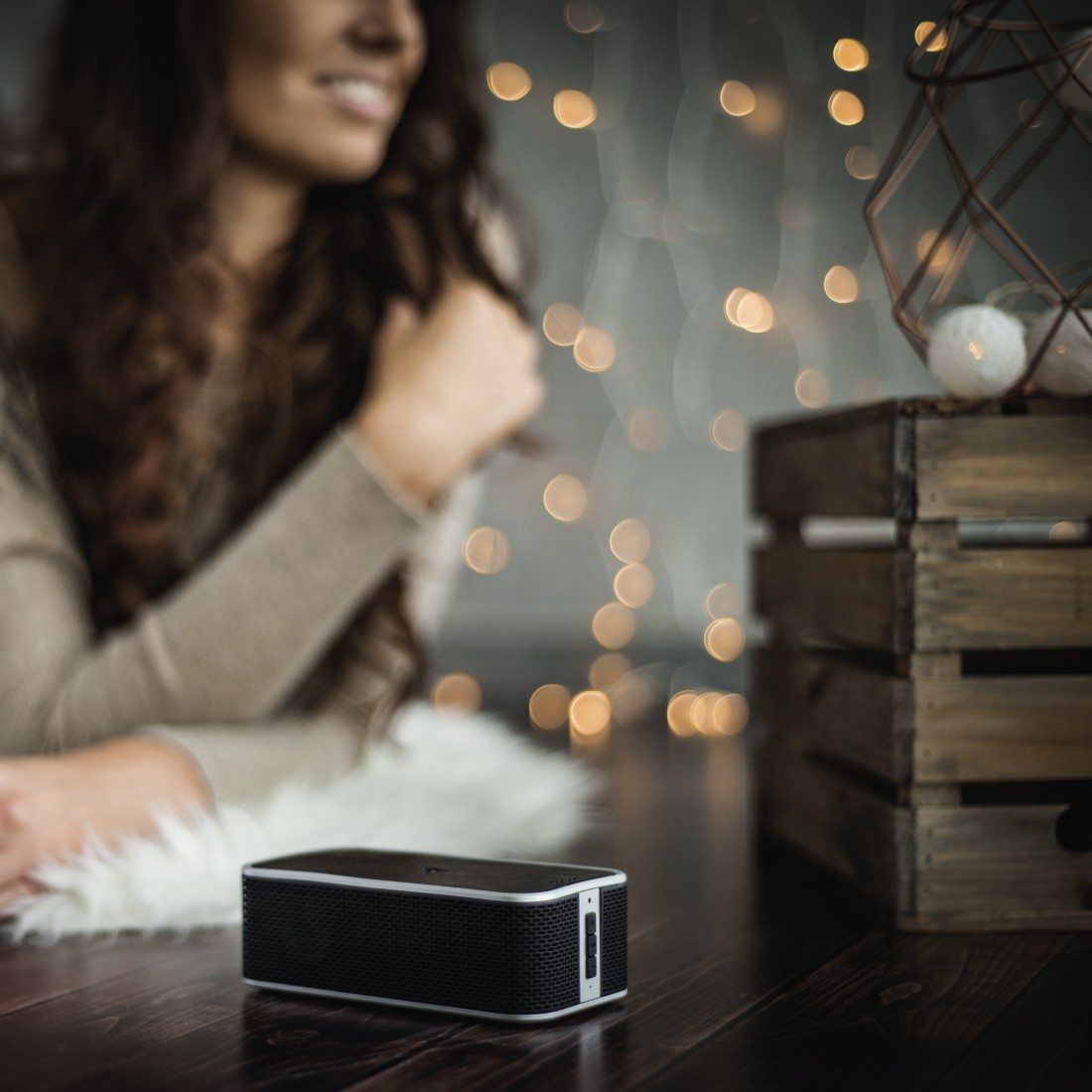 awx5 High-Res Appliance 5 - Hama, Bluetooth Speaker + Power Brick Qi Charger